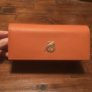 New Never Used Tory Burch Sunglass Case